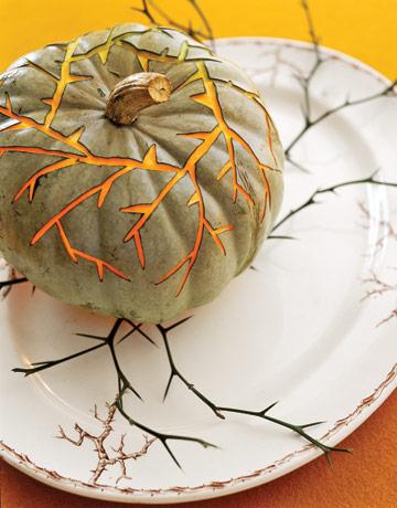 Thorny-Vines-Carved-Pumpkin-GTL1006-de